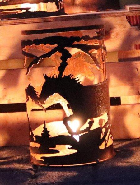 Flackerndes Licht Horses Rost Dekoration Windlicht Motiv Pferde Höhe 24cm