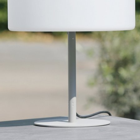 Kunststofflampe OUTDOOR Lumineo Schirm weiß Fuß grau