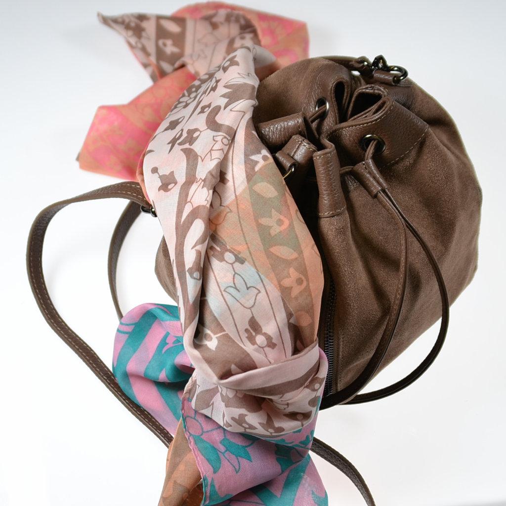 Beuteltasche braun Wildleder Schultertasche Bucket Bag Schal