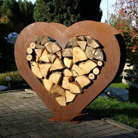 Füllregal für Holzscheite Holzregal Form Herz Edelrost Metall Deko Höhe 96cm